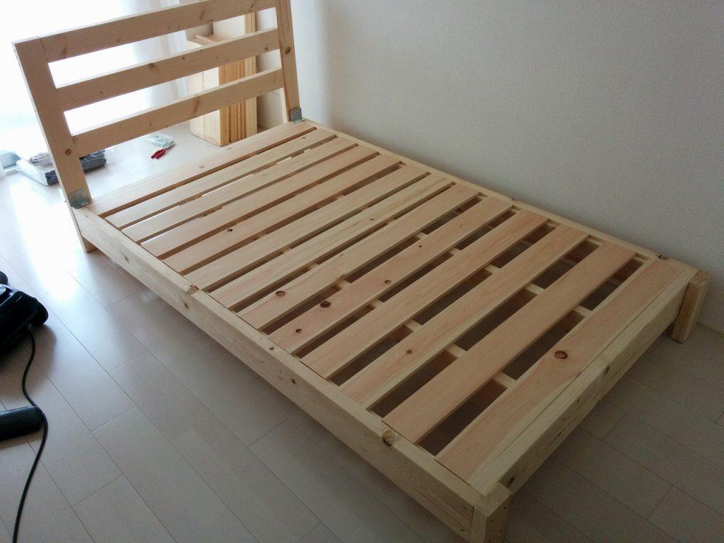 完成したベッドフレーム