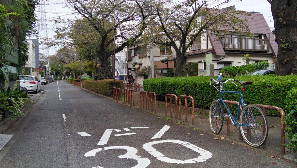 柿の木坂の緑道