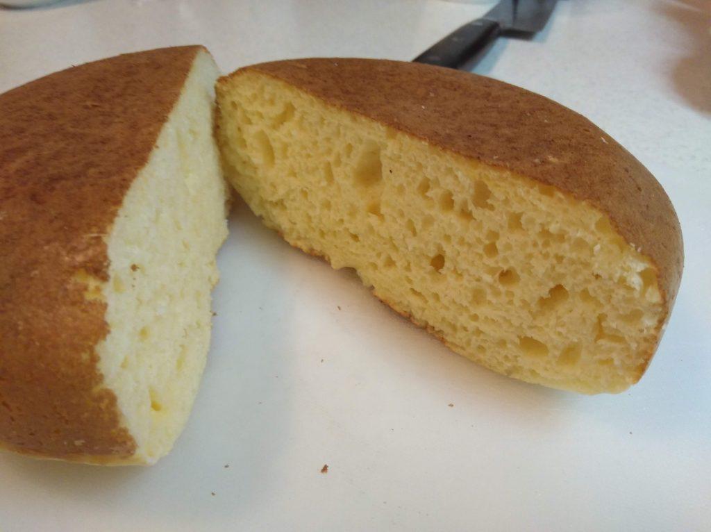 炊飯器で焼いたパンケーキの切断面